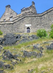 Old_West_Sally_Port,_Edinburgh_Castle