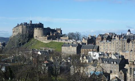 600px-Edinburgh_Castle_from_the_south_east