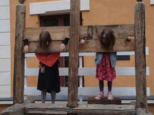 Girls_in_stocks_at_Turku_Medieval_market_2015